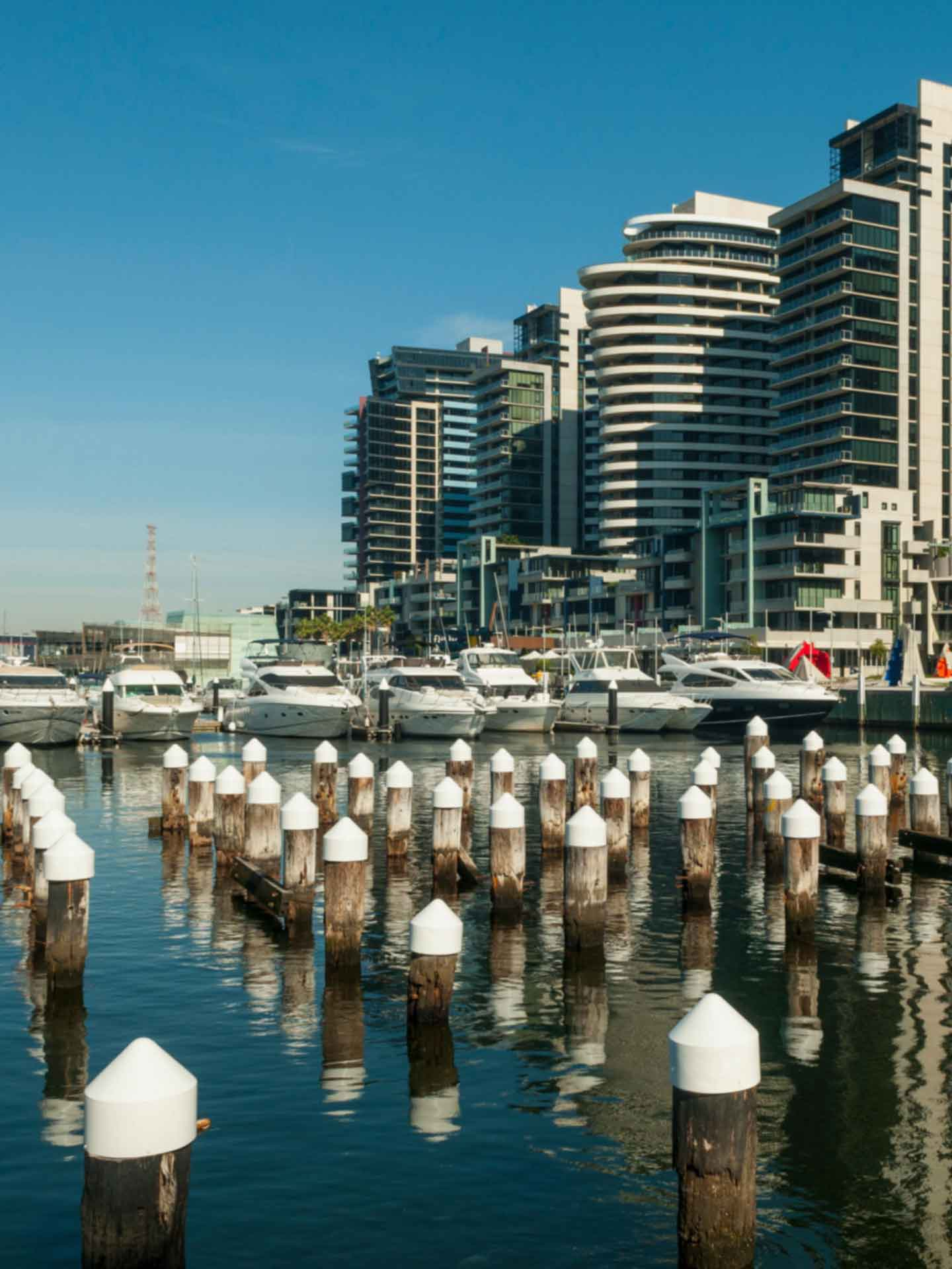 Restaurants With Entertainment In Melbourne